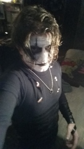 I'm telling you, he looks JUST LIKE The Crow!!